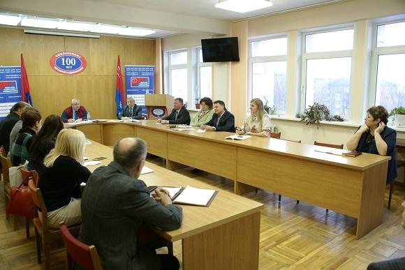 14 января 2010 года, состоялось очередное заседание Президиума Профобъединения, в котором приняли участие председатели членских организаций и руководители подведомственных учреждений, работники аппарата Профобъединения